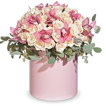 Букет Королеве сердца: Розы и орхидеи